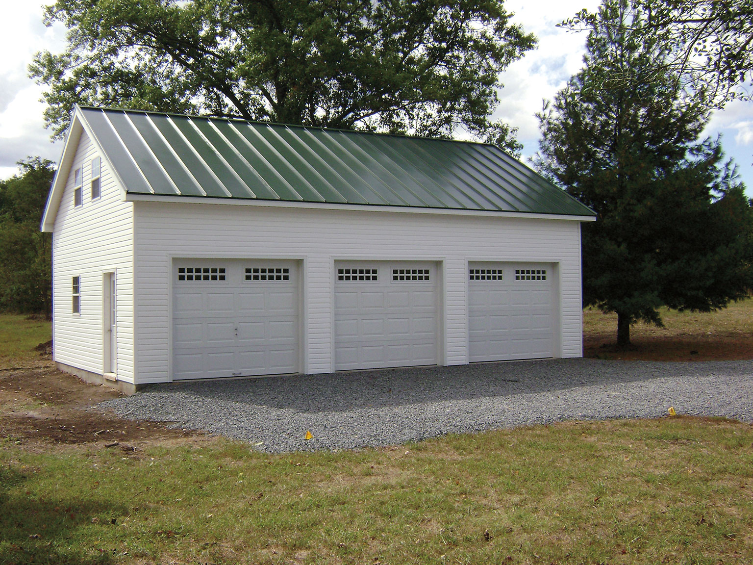 Built on site custom amish garages in oneonta ny amish for Two story metal garage